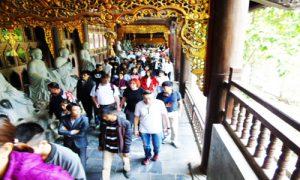 Bai-Dinh-corridor1