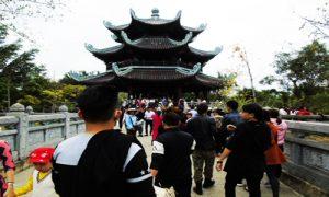 Bai-Dinh-steeple