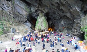 Huong-tich-cave