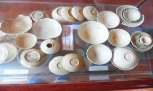 Old-ceramic-relics-in-Trang-An