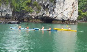 Kayak-in-Cat-Ba