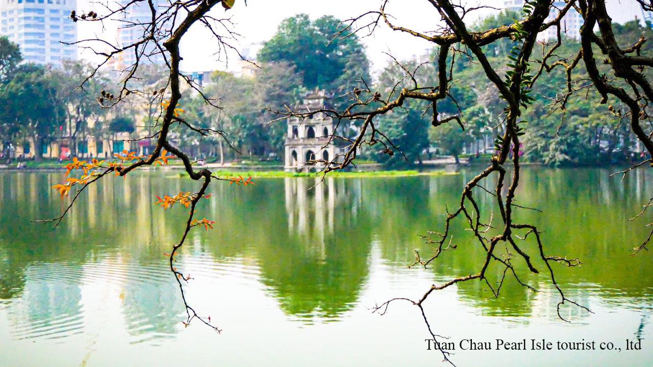 Hoan-kiem-lake