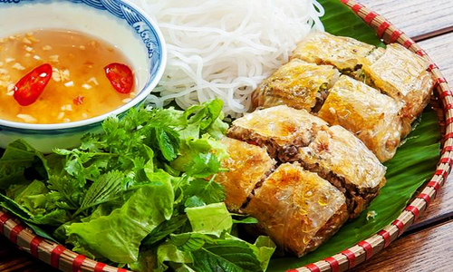 Hai-Phong-deep-fried-seafood-spring-roll